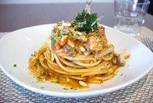 Food & Drink / Ricette succulente ed esaltazione di cibo e bevande #food #pasta #drink #ricette #spaghetti #cibo #ristorazione #panini #sandwich