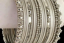 Bangles and cuffs / Jewelry