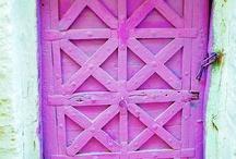 doors & floors / by Samantha Cisneros