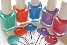 Key with nail polish / Keys