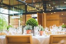 botanical wedding inspiration / Inspiration for those planning an on trend botanical wedding
