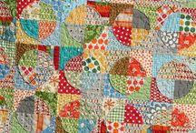 Raw edge applique quilts