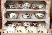 Watcombe Torquay tea set display
