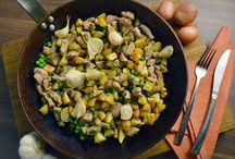 Burgonyás ételek / Itt találhatják a burgonya legkülönfélébb elkészítési módjait húsfélékkel, salátával, tésztafélékkel, levesekkel és zöldségekkel párosítva az ízesélet.hu ajánlásával !