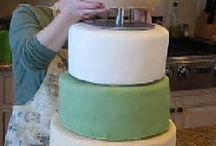 how to flatten wedding cakes