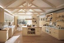 Cucine classiche & Country / Selezione di cucine classiche e country in legno.
