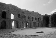 Itineraries: WWI in Italy / Luoghi della Memoria della Grande Guerra. In vista del centenario, notizie e una carrellata di immagini dei luoghi da visitare per riflettere e non dimenticare mai l'orrore della guerra.