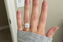 Rings on fingers / Engagement rings and more