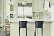 Kitchen Islands and Peninsulas