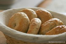 Bread / Bread comes in so many different shapes, sizes and flavours...