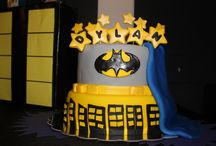 Batman cake ideas / Well, obviously idea for a batman cake