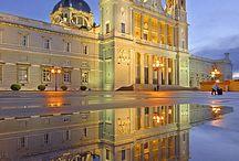 Beautiful Palaces / Castels / by Maria Helena Lacerda