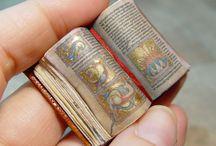 Miniatűr könyvek