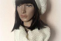Un Grand Marché : Tout en laine pour la femme ! Pulls, bonnets, gants . . . / Créations hivernales UGM ( Un Grand Marché) fait-main et en laine, destinées aux femmes