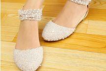 pantofi cu perle si strasuri