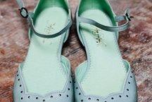 Schuhe / by Antonia Nittinger