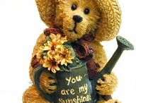 Bears (& other warm fuzzies) / How can you not love a teddy bear?, they just warm your heart! / by Pat Mendenhall
