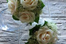 Květiny pro maminky, svědkyně a družičky  De la Fleur - bouquet of mums, bridesmaids....