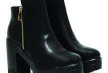 Winton || 35,00€ / Winton Excel γυναικεία παπούτσια. Γυναικείο μποτάκι με φερμουάρ στην εξωτερική πλευρά.  Extra Light σόλα Διαθέσιμα χρώματα: μαύρο  Με τακούνι ύψους 10 εκ.