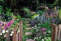 Cottage gates