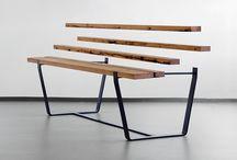 Holz ist nicht gleich Holz / Holz ist nicht gleich Holz - wir von JANUA stellen euch regelmäßig eine Holzart und ihre Besonderheiten vor. Heute:   Eiche Altholz wird aus ca. 200 Jahre alten Eichenbalken (z. B. Hölzer von alten Dachstühlen) gewonnen. Das Altholz wird aufwändig Metall befreit, gesägt und getrocknet. Es weist dunkle Verfärbungen, offene Risse, Zapfstellen, Fehlstellen, Unebenheiten und sogar Wurmlöcher auf. Ein Holz mit Charakter und unverwechselbarer Eigenständigkeit. Herkunft Norddeutschland und Osteuropa.