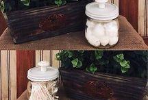 Organizing Mason Jars / Cute and Functional Mason Jar decor and organizing