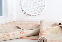 Munk Carpets | Van Oort Interieurs / De Munk Carpets importeert sinds 1981 handgeknoopte tapijten uit landen als Nepal, Marokko, Pakistan, Afghanistan, India en Portugal. Doordat de Munk Carpets al menig bezoek heeft gebracht aan de landen, weten ze veel over de uitgebreide collectie. De radar voor trends staat garant voor de hoge kwaliteit van de karpetten.