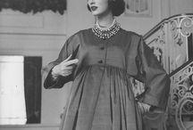 """Charles James / Imágenes de Vogue sobre la exposición: """"Charles James: Beyond Fashion"""" en el MET."""