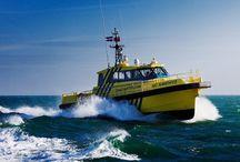 nautic-markt.ch Seenot Mayday SOS Sinking Lifeboat Rettungsboote / Lifeboat Seenot Rettungsinsel Signalrakete Mayday SOS Sinking Rettungsboote www.rettungsinsel-signalrakete.nautic-markt.ch