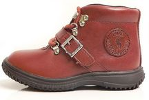 Ayakkabı & Terlik Koleksiyonu / Markaların en son kreasyonlarından seçtiğimiz markabebe.com da bulacağınız şık ve moda ürünler...