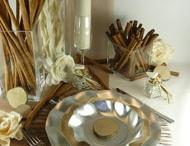 Thème caramel glacé / Des couleurs tendances et douces (taupe, caramel...) relevées par un peu de brillant pour réveiller votre table, une déco indémodable à user et réutiliser !