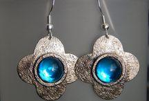 Collection Capucine / Un ensemble de colliers, bracelet et boucles d'oreille à l'allure printanière !