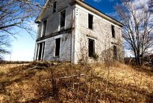 Abandoned Homes / by Michele Scroggins