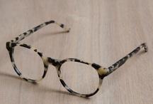 Femme à lunette...