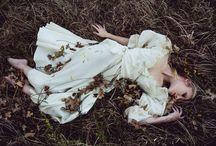 Brautkleid im Wald