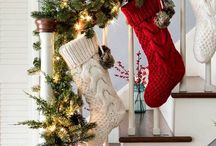 On Sutton Place Best of Christmas Decor Ideas / Easy Christmas Decor Ideas. Christmas crafts, red Christmas decor, vintage Christmas decor, Christmas porch decor.