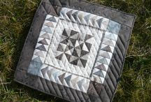 Mini quilts 2015 (challenge sur http://www.croixpatch74.com/) / by Isabelle Stirnemann Strappazon