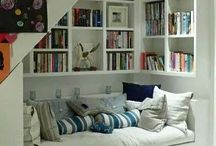 READING NOOK / by Traci Rolf
