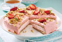 Strawberry-up your life / Die Erdbeer-Saison ist kurz aber dafür wunderschön. Wir haben für Euch verschiedene Kombinationen mit Erdbeeren und natürlich kalifornischen Walnüssen in süßen und herzhaften Gerichten. Lasst Euch das Wasser im Mund zusammenlaufen und zu eigenen Walnuss-Erdbeer-Gerichten inspirieren.
