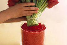 Floral arrangements / Tricks and ideas for arranging flowers