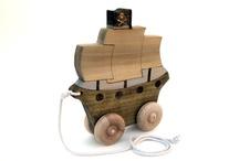Toys / push/pull toys