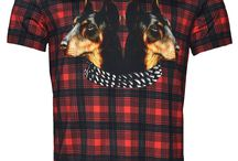 Givenchy: Checkered Tartan Doberman T-Shirt; 400€