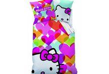 Hello Kitty / Diverse dekbedovertrekken, hoeslakens, strandlakens en kussentjes.
