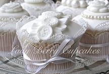 Wedding Cupcakes / Our Wedding cakes and cupcakes feature some of our most elegant and romantic designs (don't tell anyone but they're our secret favourites too!). We recognise how important it is to have the perfect cake for this very special day, so every effort goes in to making each one faultless, unique and personal to you.