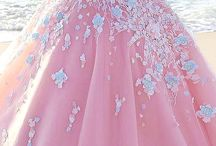 moneWedding Dresses