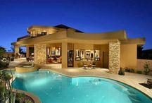Σπίτια με πισίνα