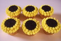 Desserts: Cupcakes / by April Cunningham