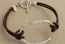 bracelet métal et lacet