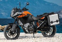 KTM 1050 Adventure / Every new ride on your KTM is an ADVENTURE waiting to be experienced – a dream that is yours to realize. The adventurous spirit lurks in all of us, but few ever answer its call. For those with the courage and vision to follow their sense of adventure, KTM is the perfect match. True adventurers, permanently challenging themselves, looking to new horizons for the next goal, destination or opponent to conquer.