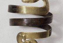 jóias antigas e artesanais / by Lilian Nogueira